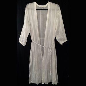Uniqlo White Robe